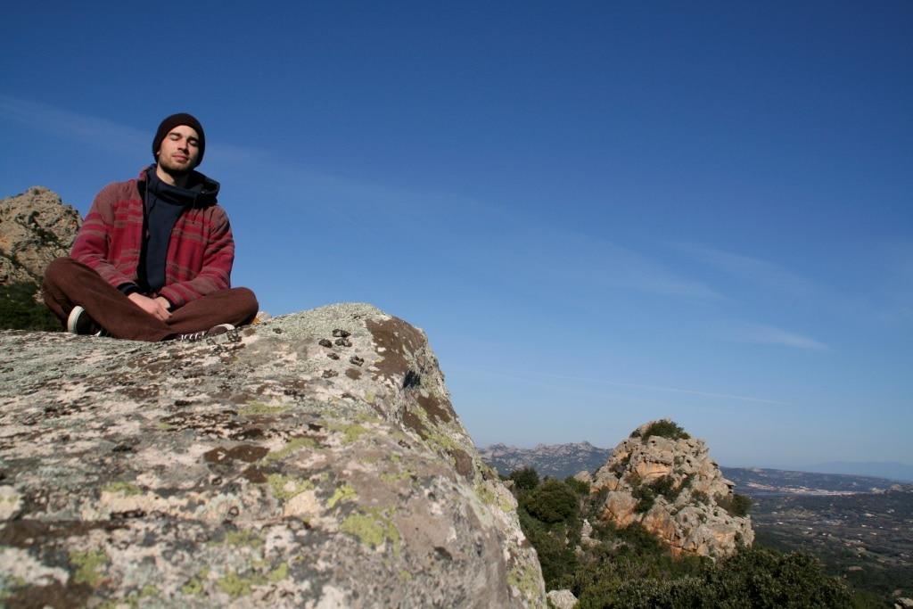 Meditation in der ursprünglichen Natur Sardniens