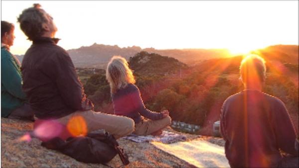 Cala Jami Sardinien - Herz-Energie auf dem Sonnenuntergangsfelsen