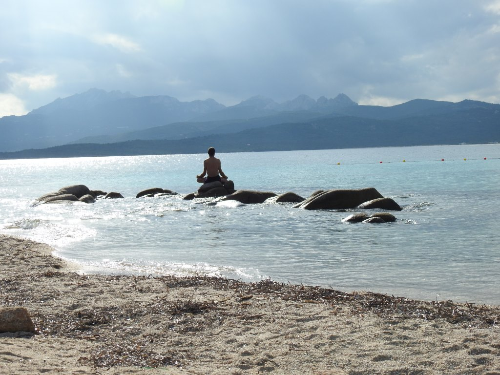 individual meditation retreat Sardinia summer