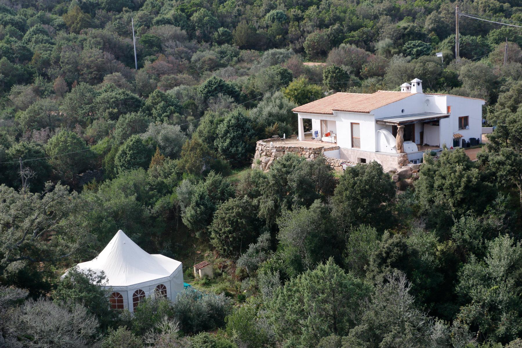 house and tent Cala Jami Inayati Suficamp Sardinia
